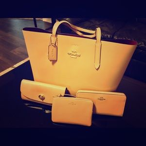 Authentic COACH purse with accessories